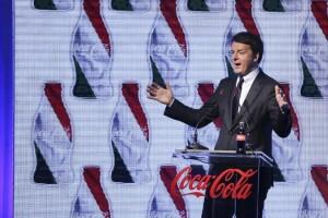 Matteo Renzi - visita alla fabbrica della Coca Cola di Marcianise