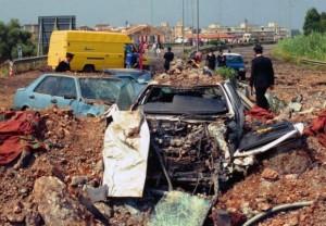 Capaci 23. Mai 1992 - Brutaler Mordanschlag gegen Giovanni Falcone, seine Frau und seine Begleitmannsachaft